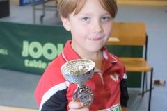 Joshua Sams mit seinem 1.Pokal